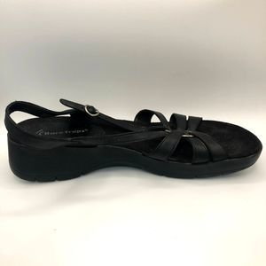 Baretraps Black Platform Strappy Comfort Sandal